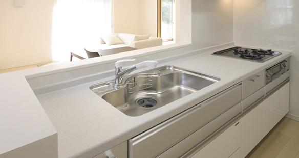 水まわりリフォーム キッチントイレ全面工事 浴室改修 クロス張替え 給湯器設置