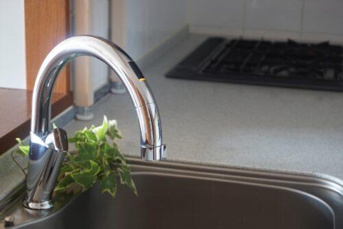 タッチレス水栓に取り替えて家事の効率アップ!
