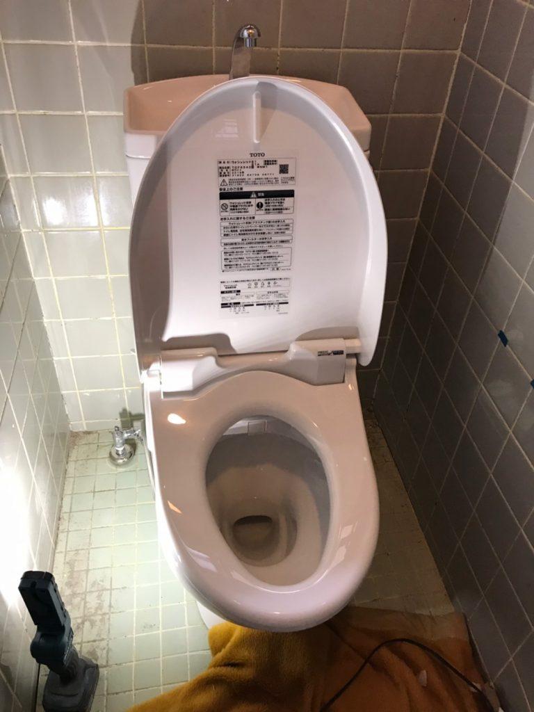 【奈良】トイレの詰まりを解消後にトイレのリフォームを依頼されました。